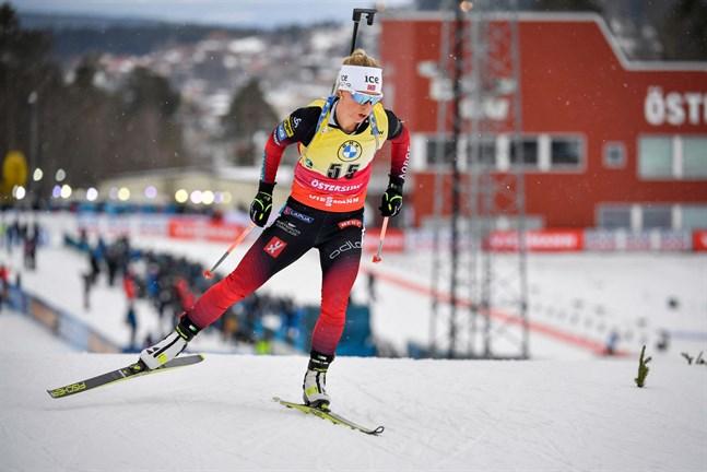 Omöjlig att knäcka just nu. Tiril Eckhoff vann fredagens sprinttävling i Östersund. Det var hennes sjunde raka i sprint och trettonde seger totalt den här vintern.