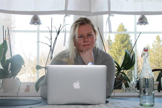 Samhällsfrågor intresserar Nicole Sten, som planerar att börja studera samhällskunskap efter studenten.