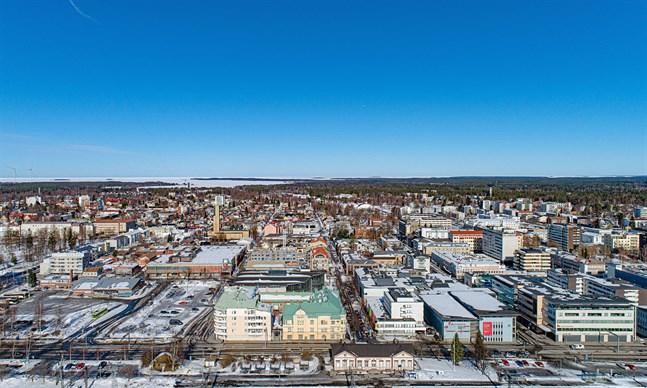 En del av Karleby centrum hör till Nationalstadsparkens område, men största delen består av området längs med Sundet ut till havet och havsmiljön.