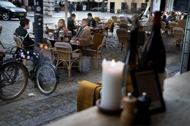 I början på maj hoppas de danska politikerna att invånarna kan gå på restaurang som vanligt igen. Arkivbild.