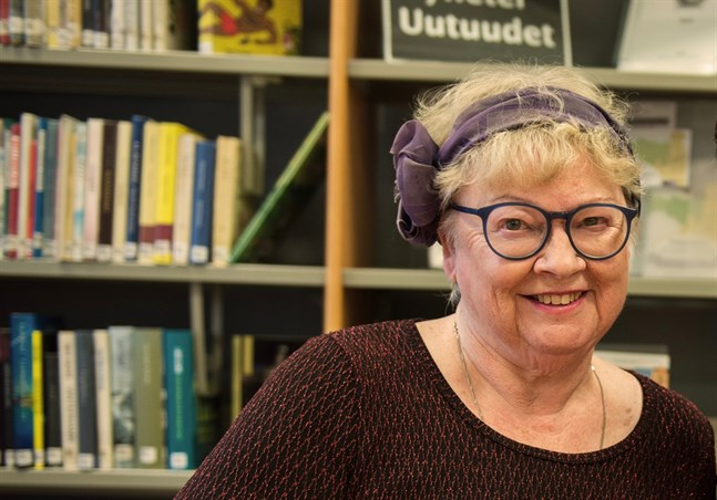 """Katarina Torfason flyttade från Kronoby till Sverige 1964 och debuterade som författare med boken """"Bröllopet"""" 1979."""