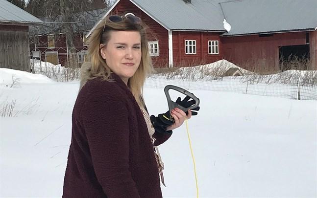 För något år sen skulle Amanda Bäckman aldrig ha vågat söka kärleken framför kameran.