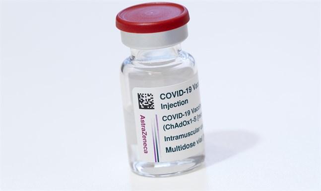 Covid-19 vaccin från vaccintillverkaren Astra Zeneca. Arkivbild.