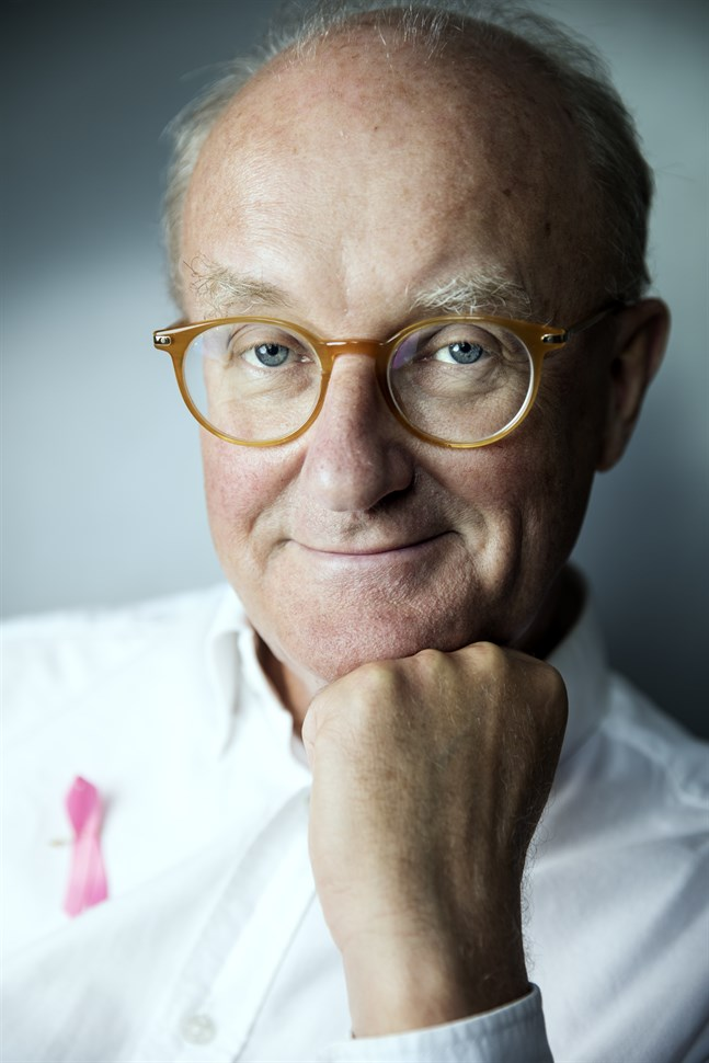 Professor Per Hall hoppas att screeningen skräddarsys för kvinnor utifrån hur täta bröst de har. Ju tätare desto större risk för bröstcancer.