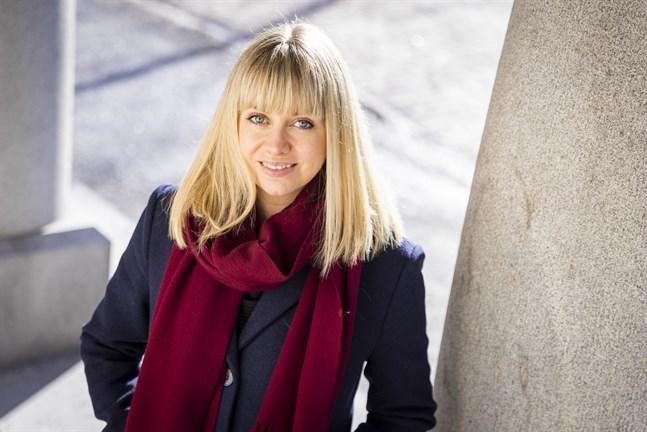 Anna-Maria Hjerpe jobbar på ungdomsstationen Klaara i Vasa.