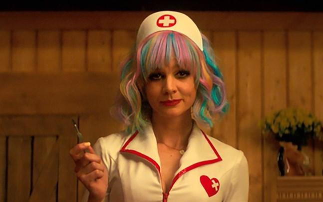 """Den brittiska skådespelaren Carey Mulligan, som nominerats för bästa huvudroll i """"Promising young woman"""", riskerar att missa Oscarsgalan."""