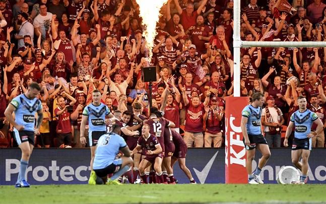 Livet har kunnat fortgå ungefär som vanligt i Australien under stora delar av pandemin. Här i november kunde närmare 50000 i publiken se rugbymatchen mellan New South Wales och Queensland.