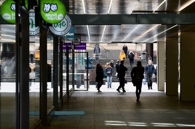Enligt Yle kommer en stor del av finländarna att följa de eventuella begränsningarna i rörelsefrihet.