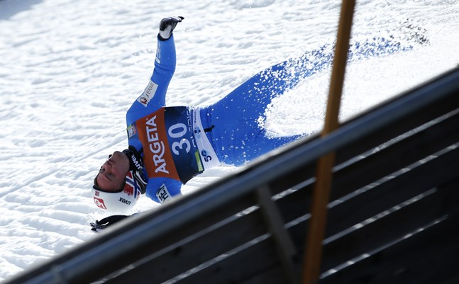 Norske backhopparen Daniel-André Tande kraschade otäckt i Planica, men mår nu bra enligt flera personer i det norska hopplandslaget.