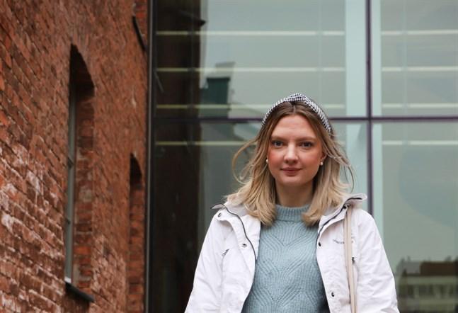 Sanna Sundén studerar på Åbo Akademi i Vasa. Hon och många andra studerande känner sig ensamma och isolerade.