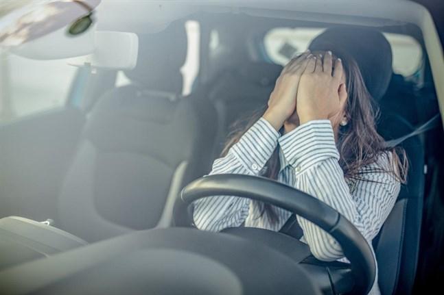För en del som inte kört bil på länge eller som har varit med om en trafikolycka kan steget till att sätta sig bakom ratten kännas stort.