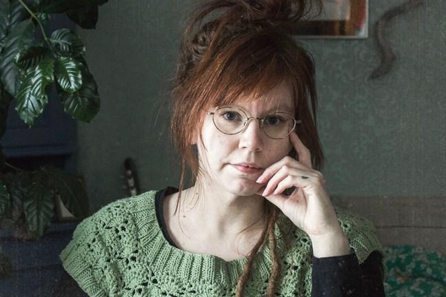 Alexandra Sandbäck är ordförande för bildkonstföreningen Jakarte.