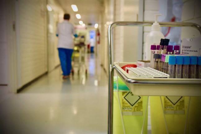 Säkerhets- och utvecklingscentret för läkemedelsområdet Fimea hade till och med måndagen fått 1235 anmälningar om biverkningar kopplade till coronavaccin.