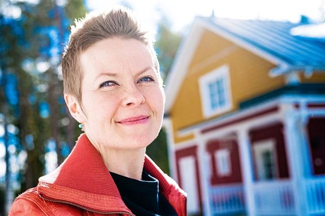 Désirée Saarela-Portin har ett starkt band till Lappfjärd, där hon i höst börjar jobba som lärare på folkhögskolan.