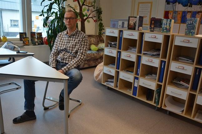 Under de år Peter Hällbacka varit lärare i Norrnäs har skolan renoverats och byggts ut tre gånger. Det här klassrummet finns i den nyaste tillbyggnaden.