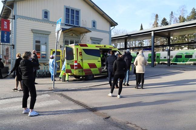 De mobila coronaprovtagningarna har varit populära i Vasa. På långfredagen kan man gå och testa sig vid järnvägsstationen mellan klockan 17.30 och 18.30.