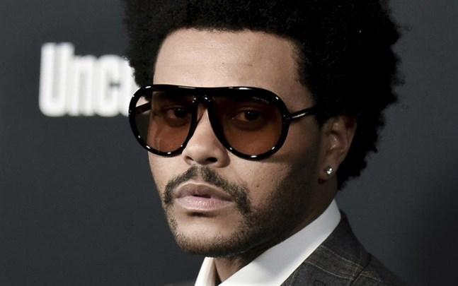 The Weeknd donerar en miljon dollar till svältande i Etiopien.