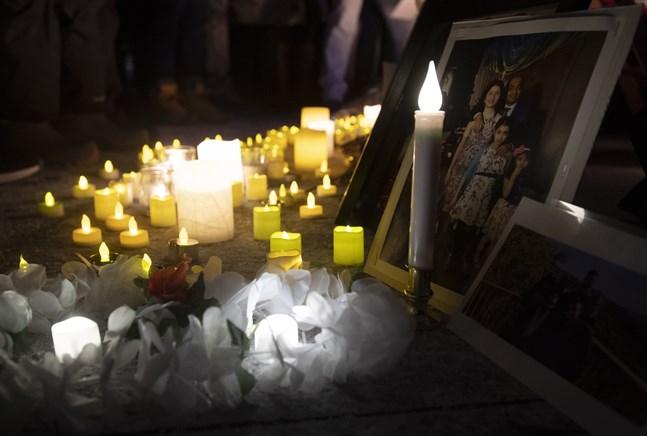 Minnesceremoni för omkomna i flygkraschen utanför Teheran i januari 2020.