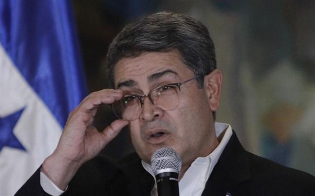 Ett trettiotal organisationer i Honduras kräver att president Juan Orlando Hernández avgår. Presidentens bror har dömts till livstids fängelse i USA för knarksmuggling.