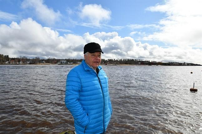 Jan-Erik Rosenberg har tillbringat 60 år på Kristinestadsvattnen.