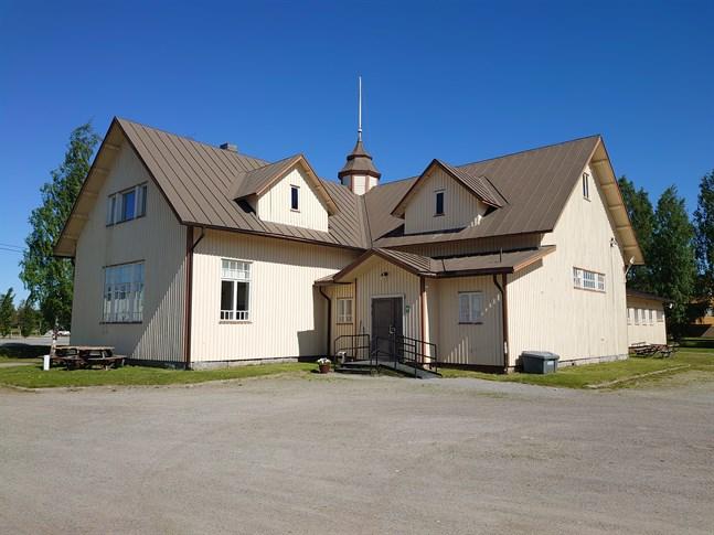 Essegården är en byggnad i flitig användning och nu kan föreningen åtgärda takläckaget.
