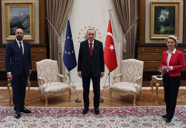 EU:s rådsordförande Charles Michel, Turkiets president Recep Tayyip Erdogan och EU-kommissionens ordförande Ursula von der Leyen vid tisdagens möte i Ankara.