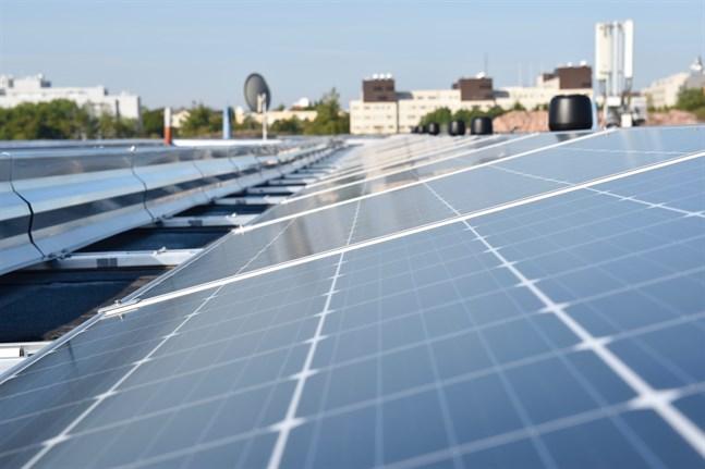 Solpaneltillverkaren Solar Finland lägger om sin produktion av solceller på grund av avslöjanden om tvångsarbete i den autonoma regionen Xinjang i Kina. Arkivbild.