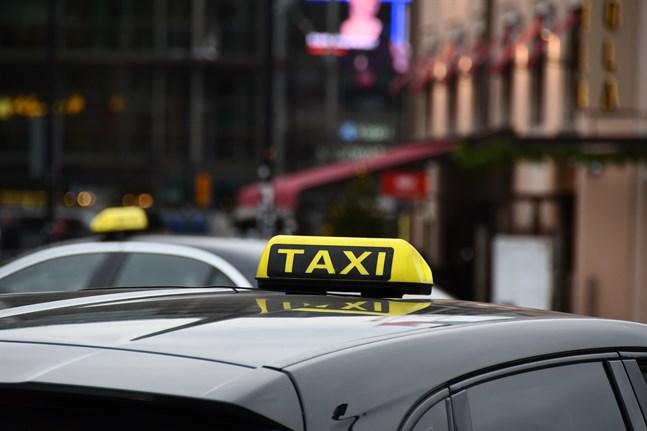 De första ändringarna i taxilagen träder i kraft den 1 maj 2021.