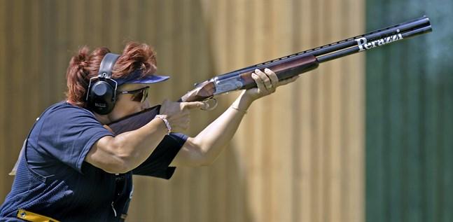 Diana Igaly under OS i Aten där hon tog guld i skeetskytte.
