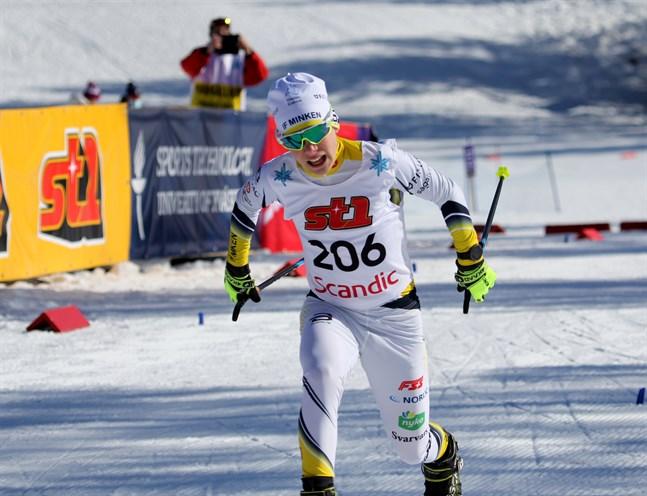 Minkens Topias Vuorela lade beslag på mästerskapet i 14-årsklassen på lördagen. Bilden är från fredagens sprinttävling där han tog sig till semifinal.