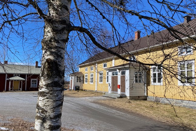 Munsala prästgård kommer inom kort att bjudas ut till försäljning av Nykarleby församling.