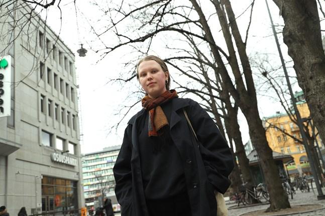Ava Dahlvik är uppställd för Västerförbundet i kommunalvalet. Hon är en av sex kommunalvalskandidater i Vasa som förbundit sig att stödja föreningen Trans målsättningar.