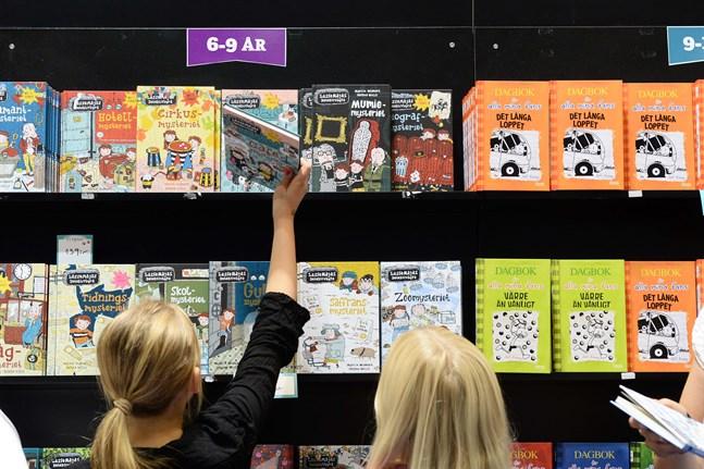 Ungdomsböcker och böcker för unga vuxna sålde sämst under 2020. I antal exemplar räknat såldes mer än tio gånger så många böcker för åldersgrupperna 3–6 och 6–9 som för åldrarna 12–15 och 15 plus.