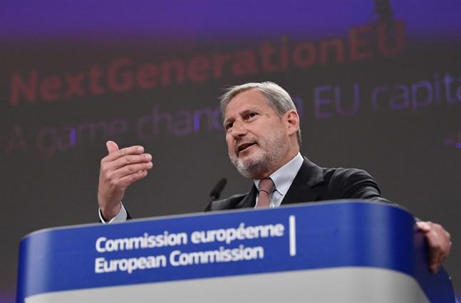 EU:s budgetkommissionär Johannes Hahn laddar för att låna 150 miljarder euro om året fram till 2026.