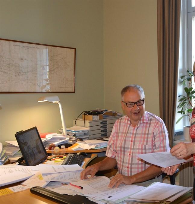 Hittills har 150 av 180 värderade fritidstomter i Kristinestad sålts för ett snittvärde på knappt 57 000 euro. Staden har fått in närmare 9 miljoner euro, enligt kanslichef Dan-Anders Sjöqvist.