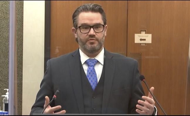 Försvarsadvokat Eric Nelson.