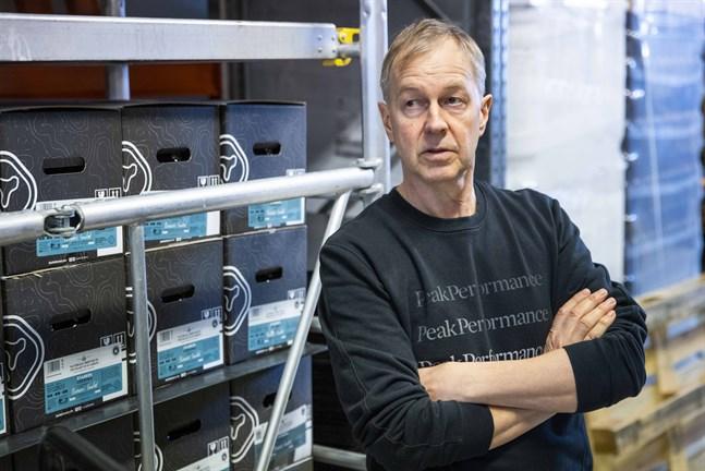 Kvarken Brewerys delägare Tore Björkman är optimist. Men vågar inte vara alltför optimistisk. – Skrämselscenariot är om restaurangerna måste stänga klockan 17.