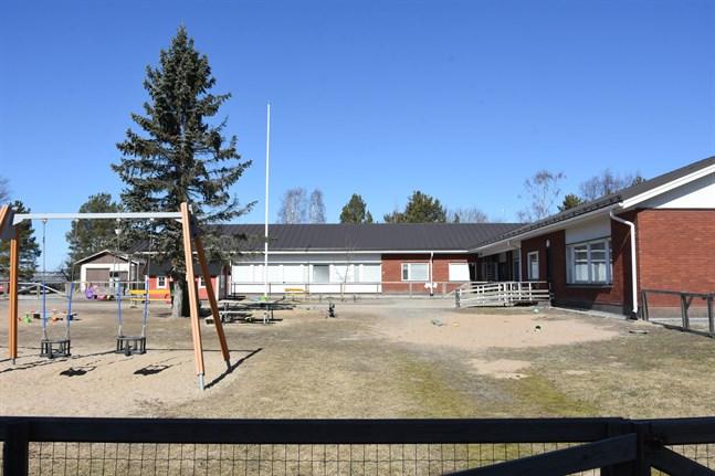 Finby daghem har i dag sex avdelningar. Nu behöver daghemmet en egen föreståndare.