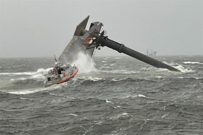 Det kapsejsade pråmfartyget i Mexikanska golfen.