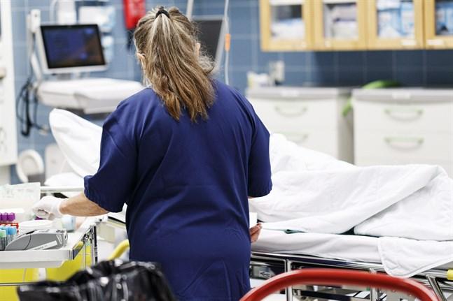 På fredagen vårdades totalt 127 coronapatienter på sjukhus runtom i landet. 34 av dem behövde intensivvård.