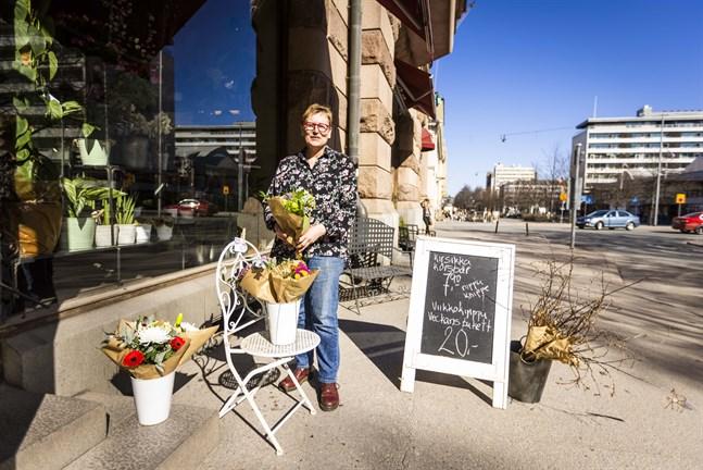 Sinikka Matikainens blomster- och presentbutik finns vid avsnittet som berörs i Vasa.