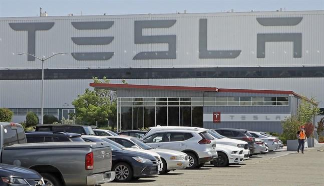 En dödsolycka med en Tesla i Texas antas ha skett i en förarlös bil.