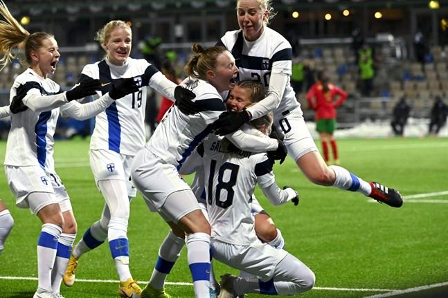 Minnesvärt ögonblick – när Linda Sällström gjorde mål på tilläggstid mot Portugal och Finland tog sig till EM.