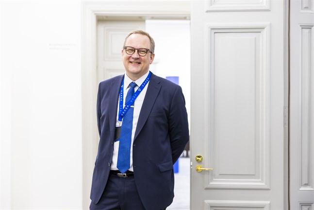 Så här glad var Tomas Häyry på måndag förmiddag efter att nyheten hade presenterats.