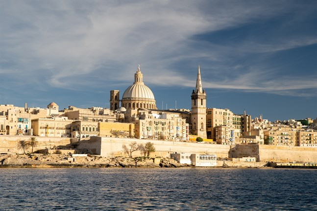 Malta hör till de länder som försökt tackla den coviddrabbade ekonomin med direkt stöd till alla invånare.