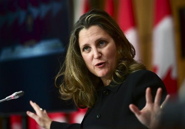 Chrystia Freeland beskriver det som att Kanada måste slå sig ur recessionen med jobbsatsningar. Arkivbild.