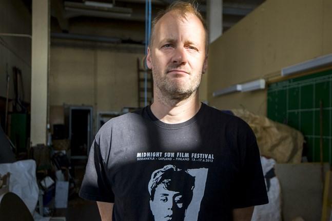 Heikki Kossis företag H5 Film Studio skapar ljuddesignen i teveserier och filmer i Finland och utomlands.
