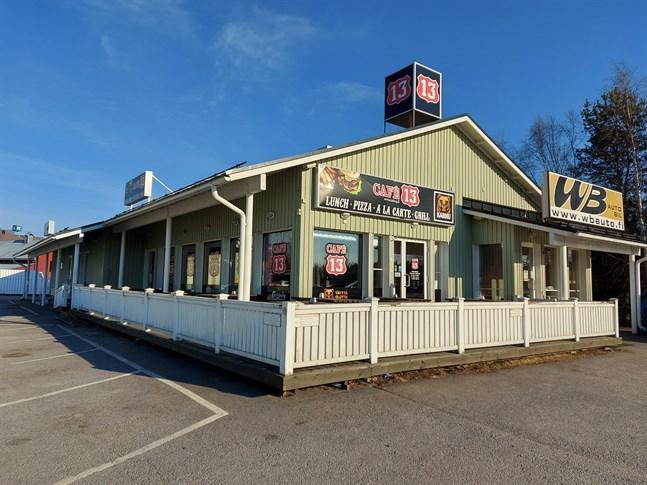 Cafe 13 i Nedervetil är till salu.