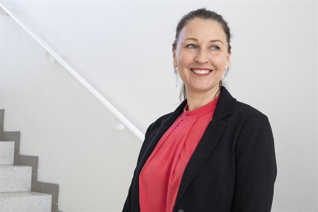 """Petra Berg säger att förändringen mot en hållbar energianvändning hänger på individens vilja att tänka utanför sin egen sandlåda. """"Problemet är att vi inte tycker om osäkerhet utan föredrar att göra som vi brukar"""", säger hon."""