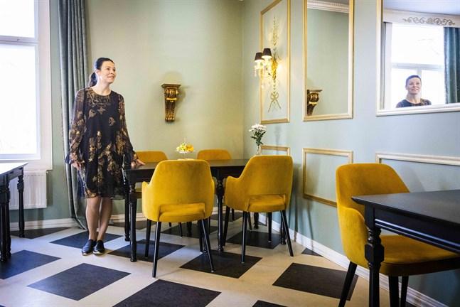 En nyhet i Villa Sandviken är terummet. Här vill Rina Hirviniemi servera afternoon tea med sött tilltugg.